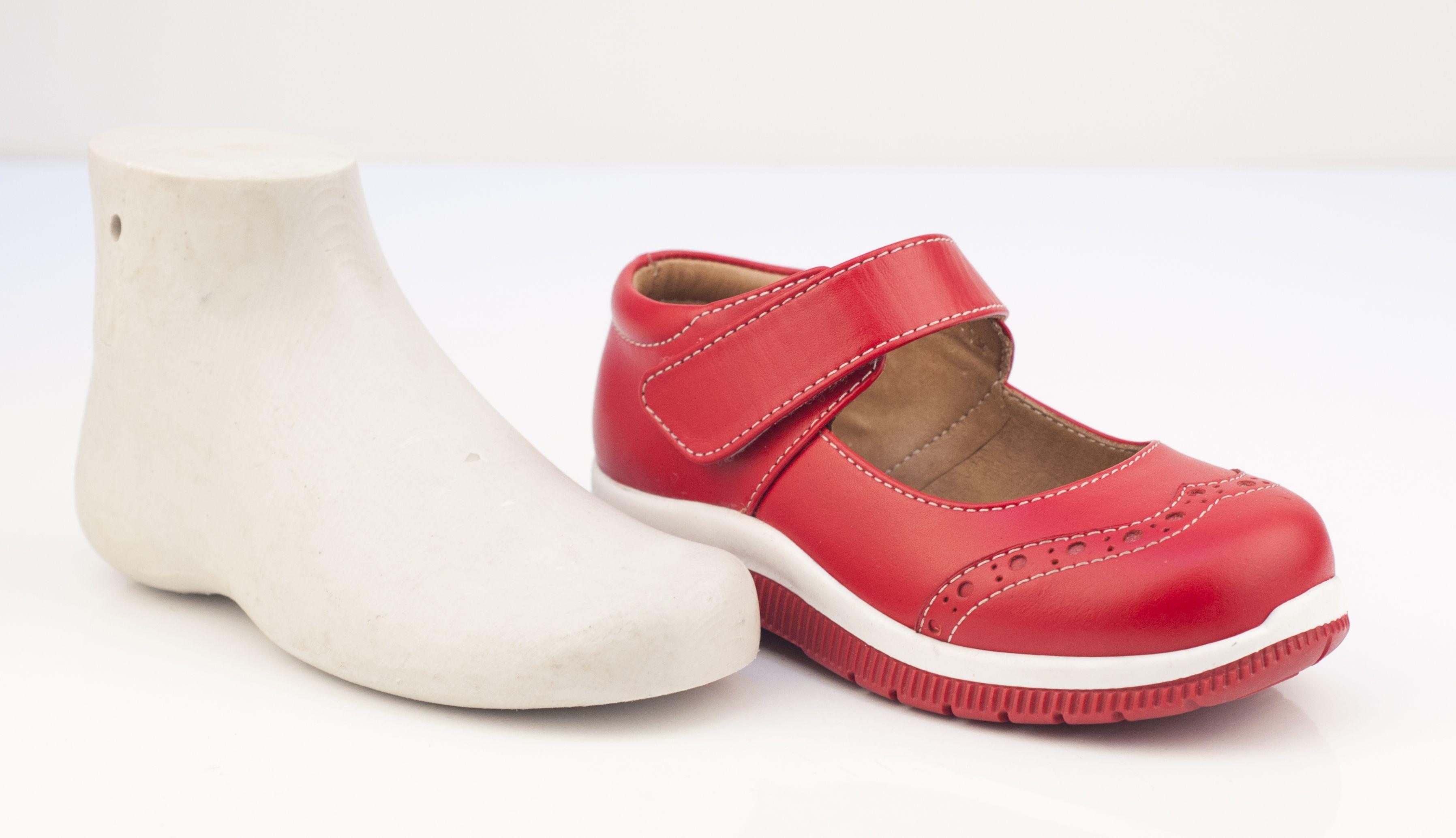 Anatomik Tabanlı Ayakkabı Model 614